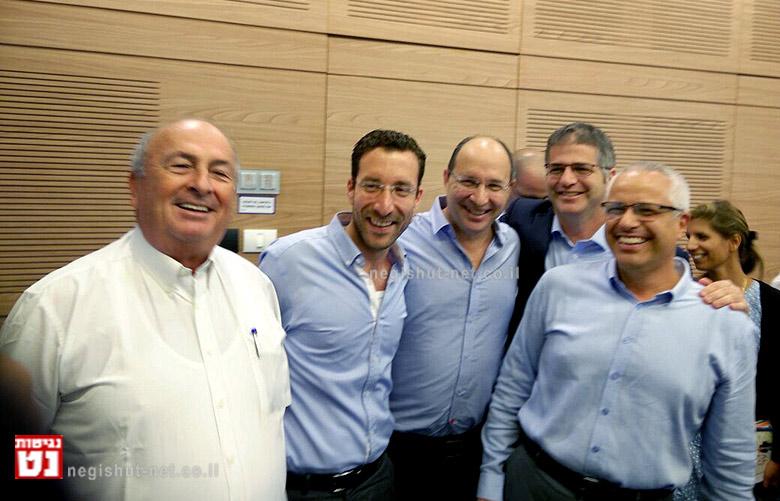 מימין: אורן הלמן, יואב קיש,אבי ניסנקורן,איציק שמולי, אלי אלאלוף